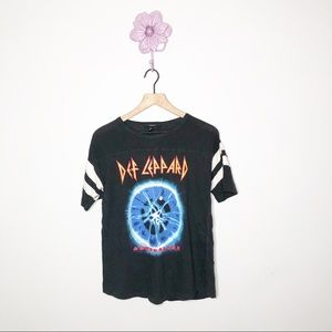 Def Leppard The 7-Day Weekend Tour Band Tee